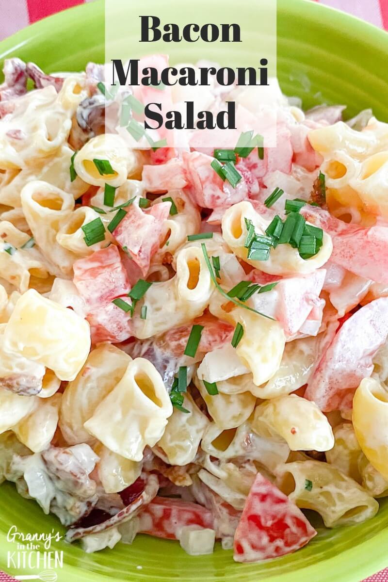 macaroni salad with bacon and tomatoes