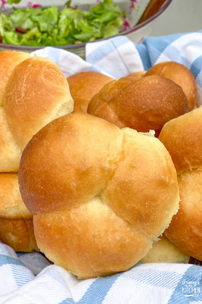basket of cloverleaf rolls