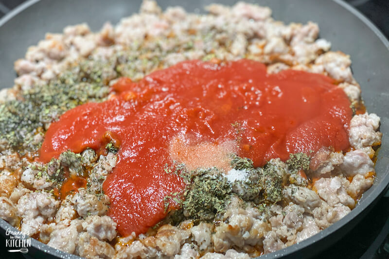 making meat sauce for lasagna
