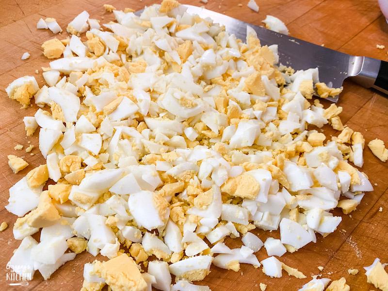 chopping boiled eggs